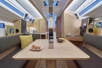 Jeanneau 34 ft. sloop interior view