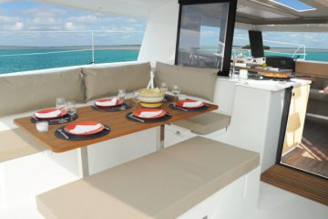 Fountaine Pajot Helia 44' - deck