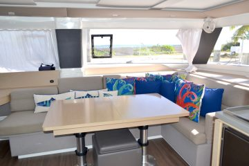 Southern Sun Seating : Fountaine Pajot Helia 44'