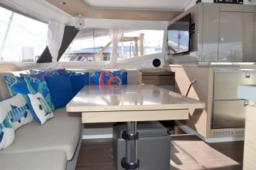 Southern Sun Salon : Fountaine Pajot Helia 44'