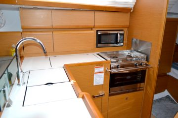 Weather or Knot Galley : Jeanneau 41 ft