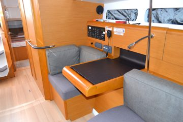 Weather or Knot Navigation Area: Jeanneau 41 ft