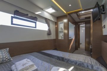 Fountaine Pajot MY 37' - Power Catamaran - cabin